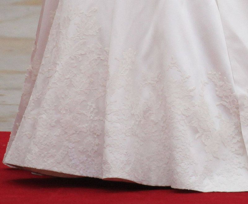 Royal-Wedding-Dress-Applique